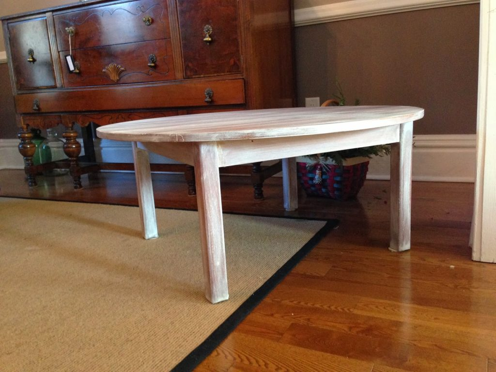 White Washing A Table WIth Chalk Finish Paint