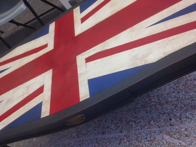 Antiqued Union Jack Table
