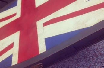 annie sloan chalk paint union jack table