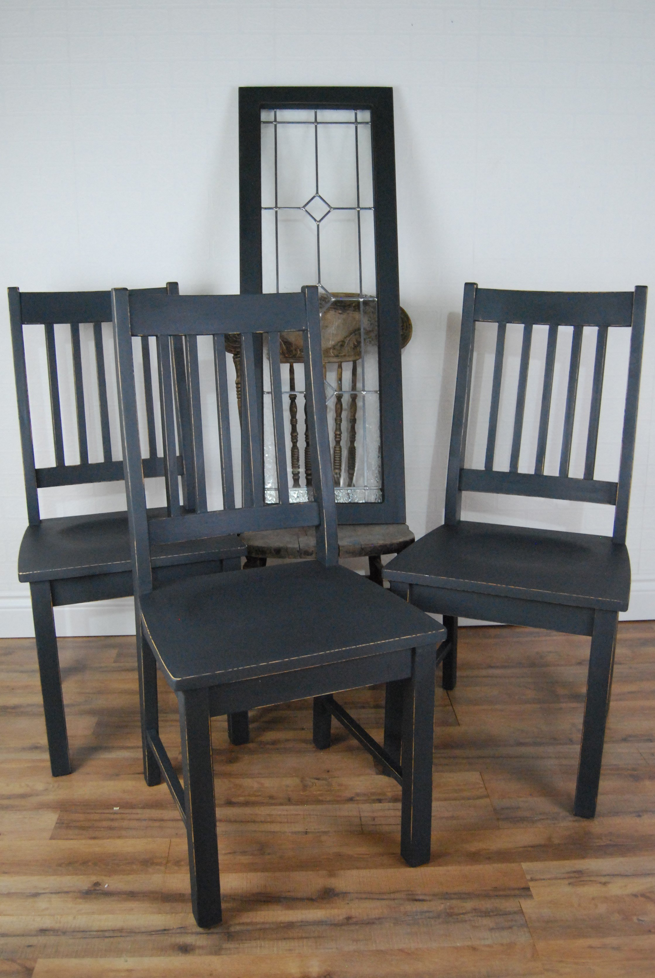 Annie Sloan Chalk Paint Classic Graphite Finish And The Pros And Cons Of Sanding Before Waxing!