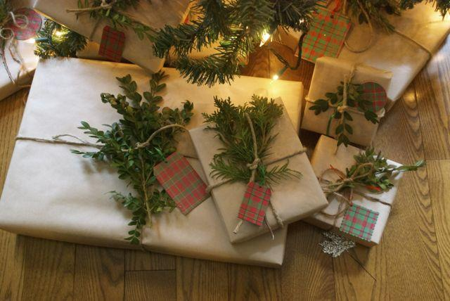 kraft paper gift wrapping with twine and garland