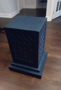 navy blue chalk painted pedestal table