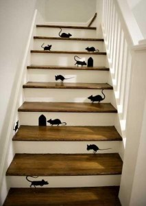 mouse and mouse hole stairs